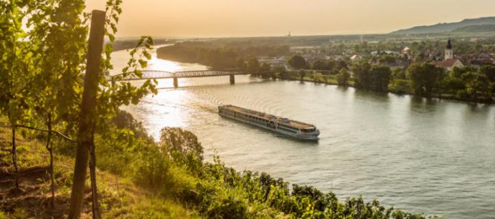Amadeus river boat