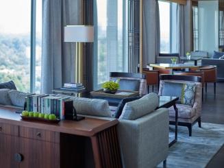 Horizon Club Lounge corner shot