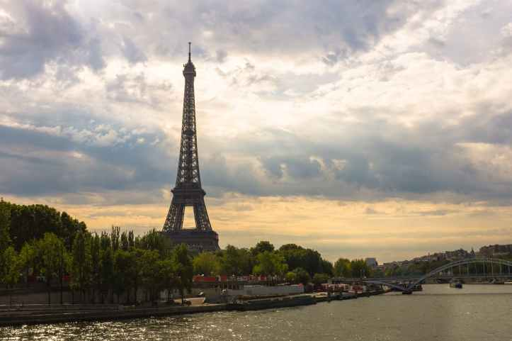 eiffel-tower-paris-france-tower-161853.jpeg