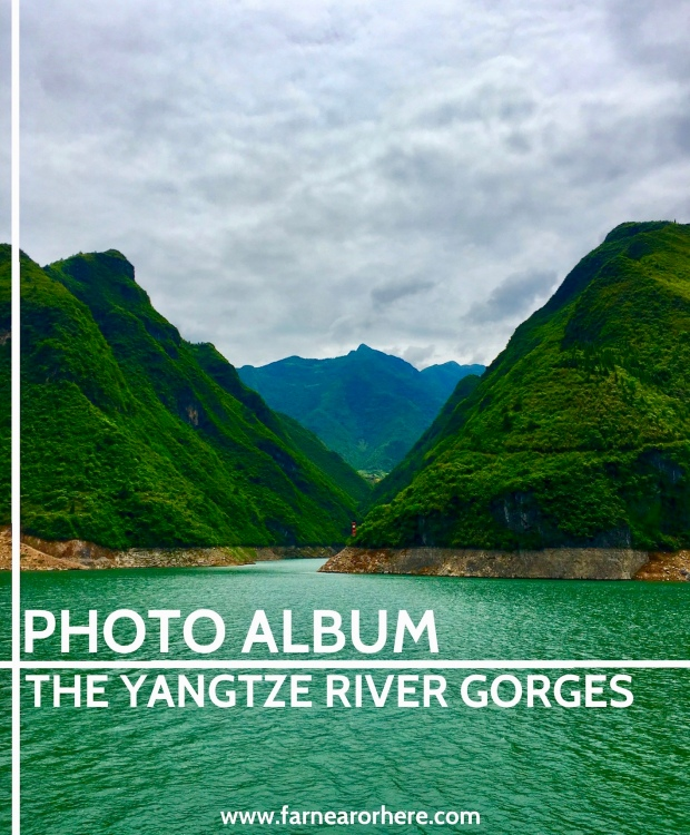 Travelling through the Yangtze River gorges in China ...